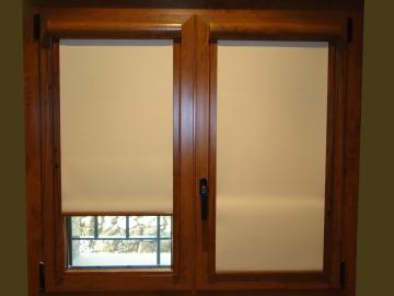 Malva, la cortina enrollable interior que ofrece una gran opacidad